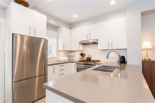 """Photo 9: 5938 OAK Street in Vancouver: Oakridge VW Townhouse for sale in """"MONTGOMERY TOWNHOMES"""" (Vancouver West)  : MLS®# R2162666"""