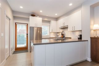 """Photo 8: 5938 OAK Street in Vancouver: Oakridge VW Townhouse for sale in """"MONTGOMERY TOWNHOMES"""" (Vancouver West)  : MLS®# R2162666"""