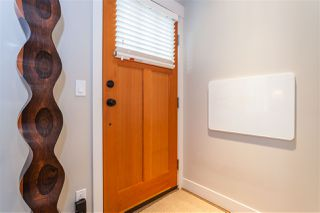"""Photo 3: 5938 OAK Street in Vancouver: Oakridge VW Townhouse for sale in """"MONTGOMERY TOWNHOMES"""" (Vancouver West)  : MLS®# R2162666"""