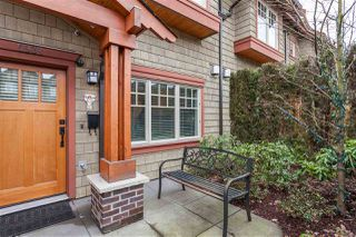 """Photo 2: 5938 OAK Street in Vancouver: Oakridge VW Townhouse for sale in """"MONTGOMERY TOWNHOMES"""" (Vancouver West)  : MLS®# R2162666"""