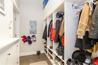 "Photo 18: 5938 OAK Street in Vancouver: Oakridge VW Townhouse for sale in ""MONTGOMERY TOWNHOMES"" (Vancouver West)  : MLS®# R2162666"