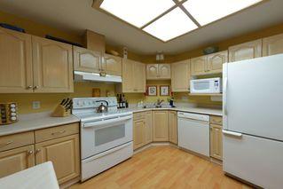 Photo 39: 908 HERRMANN STREET: House for sale : MLS®# V1104987