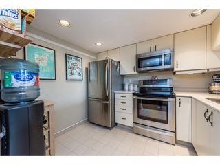 "Photo 11: 1204 220 ELEVENTH Street in New Westminster: Uptown NW Condo for sale in ""QUEEN'S COVE"" : MLS®# R2195000"