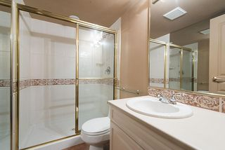 Photo 16: 1188 STRATHAVEN Drive in North Vancouver: Northlands Townhouse for sale : MLS®# R2215191
