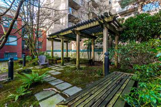 "Photo 18: 406 939 HOMER Street in Vancouver: Yaletown Condo for sale in ""PINNACLE"" (Vancouver West)  : MLS®# R2238757"