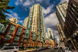 "Photo 2: 406 939 HOMER Street in Vancouver: Yaletown Condo for sale in ""PINNACLE"" (Vancouver West)  : MLS®# R2238757"