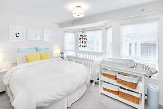 """Photo 12: 209 2545 W BROADWAY in Vancouver: Kitsilano Townhouse for sale in """"TRAFALGAR MEWS"""" (Vancouver West)  : MLS®# R2250630"""