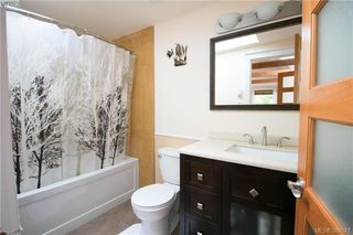 Photo 12: 671 Kelly Road in VICTORIA: Co Hatley Park Single Family Detached for sale (Colwood)  : MLS®# 389527