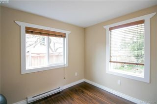 Photo 10: 671 Kelly Road in VICTORIA: Co Hatley Park Single Family Detached for sale (Colwood)  : MLS®# 389527