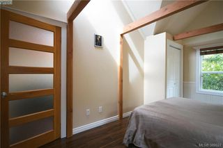 Photo 9: 671 Kelly Road in VICTORIA: Co Hatley Park Single Family Detached for sale (Colwood)  : MLS®# 389527