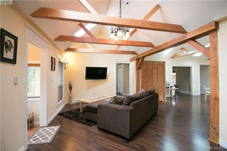Photo 5: 671 Kelly Road in VICTORIA: Co Hatley Park Single Family Detached for sale (Colwood)  : MLS®# 389527