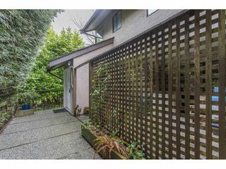 Photo 2: 306 11724 225 STREET in Maple Ridge: East Central Condo for sale : MLS®# R2253761