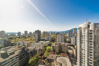 "Photo 2: 2101 909 BURRARD Street in Vancouver: West End VW Condo for sale in ""Vancouver Tower"" (Vancouver West)  : MLS®# R2261686"