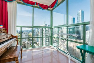 "Photo 6: 2101 909 BURRARD Street in Vancouver: West End VW Condo for sale in ""Vancouver Tower"" (Vancouver West)  : MLS®# R2261686"