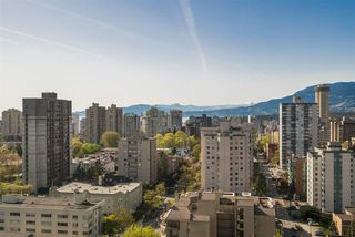 "Photo 4: 2101 909 BURRARD Street in Vancouver: West End VW Condo for sale in ""Vancouver Tower"" (Vancouver West)  : MLS®# R2261686"