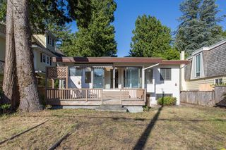 "Photo 13: 2663 MCBRIDE Avenue in Surrey: Crescent Bch Ocean Pk. House for sale in ""Crescent Beach"" (South Surrey White Rock)  : MLS®# R2271993"