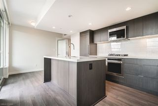 """Photo 4: 904 8189 CAMBIE Street in Vancouver: Marpole Condo for sale in """"NORTHWEST BY ONNI"""" (Vancouver West)  : MLS®# R2282290"""