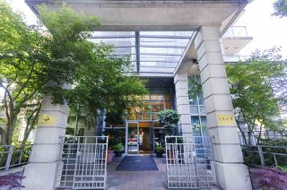 "Photo 18: 1011 1889 ALBERNI Street in Vancouver: West End VW Condo for sale in ""Lord Stanley"" (Vancouver West)  : MLS®# R2289829"
