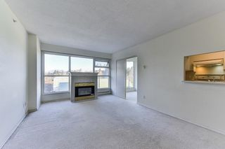 """Photo 5: 701 9830 WHALLEY Boulevard in Surrey: Whalley Condo for sale in """"KING GEORGE PARK TOWER"""" (North Surrey)  : MLS®# R2326650"""