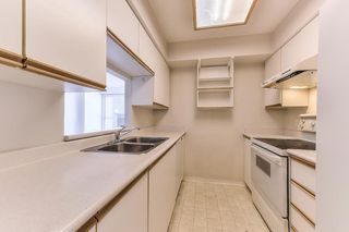 """Photo 11: 701 9830 WHALLEY Boulevard in Surrey: Whalley Condo for sale in """"KING GEORGE PARK TOWER"""" (North Surrey)  : MLS®# R2326650"""