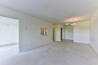 """Photo 6: 701 9830 WHALLEY Boulevard in Surrey: Whalley Condo for sale in """"KING GEORGE PARK TOWER"""" (North Surrey)  : MLS®# R2326650"""