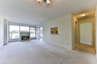 """Photo 4: 701 9830 WHALLEY Boulevard in Surrey: Whalley Condo for sale in """"KING GEORGE PARK TOWER"""" (North Surrey)  : MLS®# R2326650"""