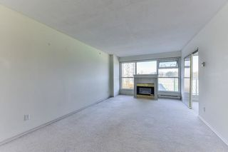 """Photo 3: 701 9830 WHALLEY Boulevard in Surrey: Whalley Condo for sale in """"KING GEORGE PARK TOWER"""" (North Surrey)  : MLS®# R2326650"""