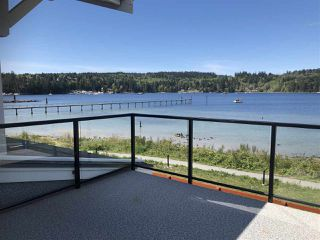 "Photo 10: 5927 BEACHGATE Lane in Sechelt: Sechelt District Townhouse for sale in ""Edgewater"" (Sunshine Coast)  : MLS®# R2328680"