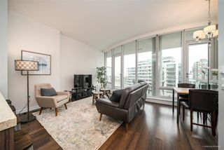 "Photo 2: 708 1633 ONTARIO Street in Vancouver: False Creek Condo for sale in ""KAYAK"" (Vancouver West)  : MLS®# R2333563"