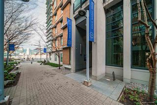 "Photo 18: 708 1633 ONTARIO Street in Vancouver: False Creek Condo for sale in ""KAYAK"" (Vancouver West)  : MLS®# R2333563"