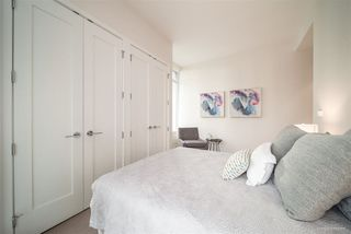 "Photo 11: 708 1633 ONTARIO Street in Vancouver: False Creek Condo for sale in ""KAYAK"" (Vancouver West)  : MLS®# R2333563"