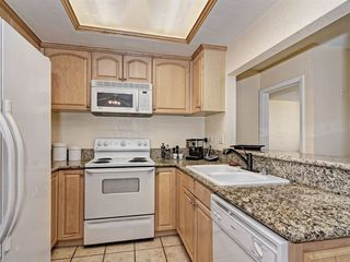 Photo 5: SAN DIEGO Condo for sale : 2 bedrooms : 2941 C Street #468