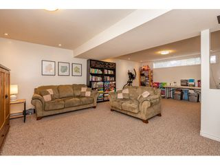 Photo 16: 2084 WILEROSE Street in Abbotsford: Central Abbotsford House for sale : MLS®# R2344254