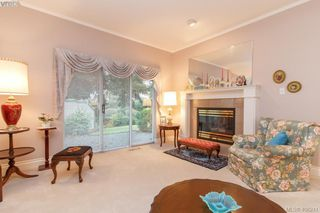 Photo 5: 7 520 Marsett Place in VICTORIA: SW Royal Oak Townhouse for sale (Saanich West)  : MLS®# 406241