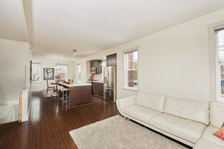 """Photo 4: 1 102 FRASER Street in Port Moody: Port Moody Centre Townhouse for sale in """"CORBEAU"""" : MLS®# R2347326"""