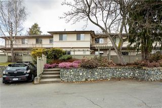 Photo 26: 19 4061 Larchwood Dr in VICTORIA: SE Lambrick Park Row/Townhouse for sale (Saanich East)  : MLS®# 808408