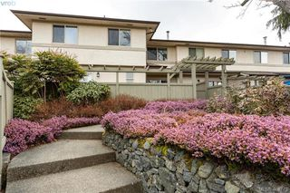 Photo 27: 19 4061 Larchwood Dr in VICTORIA: SE Lambrick Park Row/Townhouse for sale (Saanich East)  : MLS®# 808408