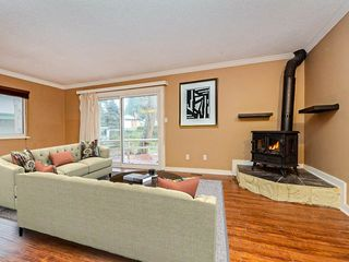 Photo 4: 3330 JERVIS Street in Port Coquitlam: Woodland Acres PQ House for sale : MLS®# R2350934