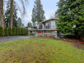 Photo 1: 3330 JERVIS Street in Port Coquitlam: Woodland Acres PQ House for sale : MLS®# R2350934