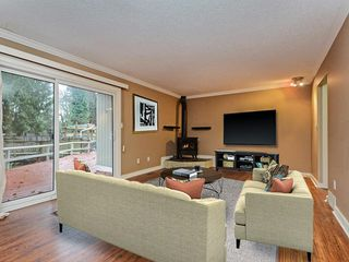 Photo 3: 3330 JERVIS Street in Port Coquitlam: Woodland Acres PQ House for sale : MLS®# R2350934