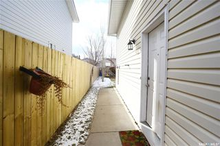 Photo 3: 234 Lochrie Crescent in Saskatoon: Fairhaven Residential for sale : MLS®# SK764678