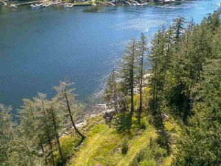 Photo 1: LOT B DANIEL Road in Garden Bay: Pender Harbour Egmont Home for sale (Sunshine Coast)  : MLS®# R2364110