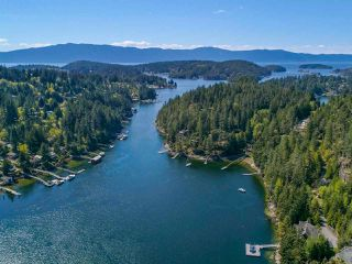 Photo 2: LOT B DANIEL Road in Garden Bay: Pender Harbour Egmont Home for sale (Sunshine Coast)  : MLS®# R2364110