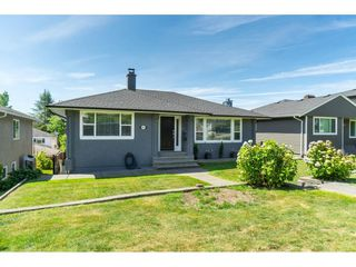 Photo 1: 4832 VENABLES Street in Burnaby: Brentwood Park House for sale (Burnaby North)  : MLS®# R2381226
