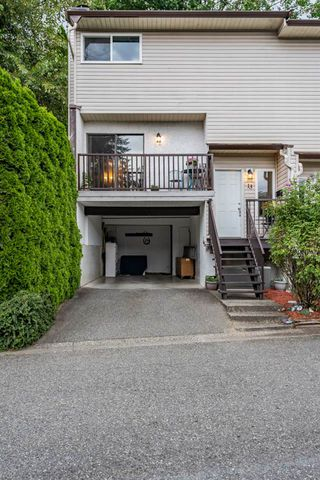 "Photo 3: 13 32705 FRASER Crescent in Mission: Mission BC Townhouse for sale in ""BLACK BEAR ESTATES"" : MLS®# R2382548"