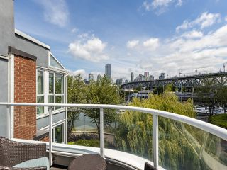 "Photo 18: 407 1551 MARINER Walk in Vancouver: False Creek Condo for sale in ""LAGOONS"" (Vancouver West)  : MLS®# R2383720"
