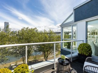 "Photo 13: 407 1551 MARINER Walk in Vancouver: False Creek Condo for sale in ""LAGOONS"" (Vancouver West)  : MLS®# R2383720"