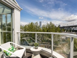 "Photo 7: 407 1551 MARINER Walk in Vancouver: False Creek Condo for sale in ""LAGOONS"" (Vancouver West)  : MLS®# R2383720"