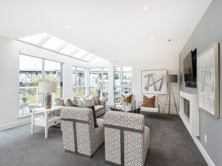 "Photo 3: 407 1551 MARINER Walk in Vancouver: False Creek Condo for sale in ""LAGOONS"" (Vancouver West)  : MLS®# R2383720"