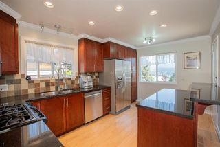 Photo 6: 426 FAIRWAY Drive in North Vancouver: Dollarton House for sale : MLS®# R2403915